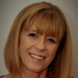 Debbie Gill headshot