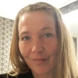 Lisa Hellberg Headshot