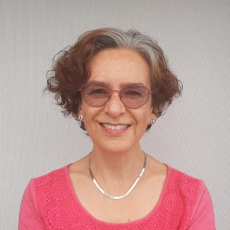 ALINA CUERVO Headshot